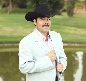 Cantante grupero el shaka se suma a lista de artistas for Sergio vega