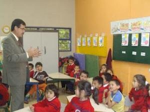 Concejal Celio Nieves Herrera propone ampliar acceso educativo gratuito a niños entre los 3 y 5 años de edad
