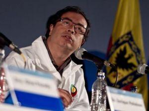 Gustavo Petro descarta propuesta de habilitar un tercer carril para Transmilenio en la Caracas