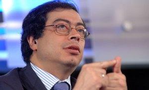 Petro propone Mesa Técnica con Vargas Lleras sobre políticas de vivienda