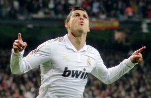 Marcó dos de goles con que su equipo derrotó a Barcelona
