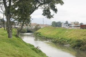 Canales de agua en Kennedy