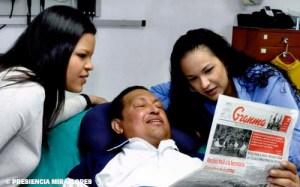 Hugo Chávez y sus hijas