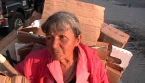 De ser ciertas las denuncias, esta anciana podría quedar sin recibir su remuneración. ¿No es ella una persona vulnerable?